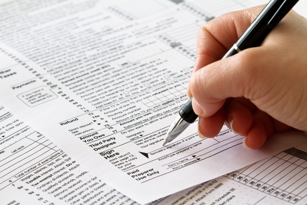 tax_return_shutterstock_70968238